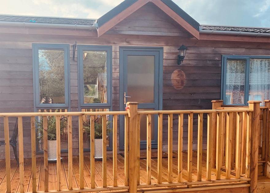 Country Lodge Six VIP