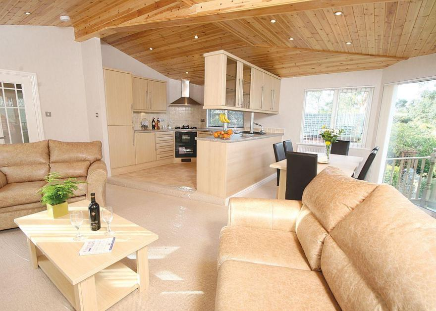 Pound Farm Lodge 2