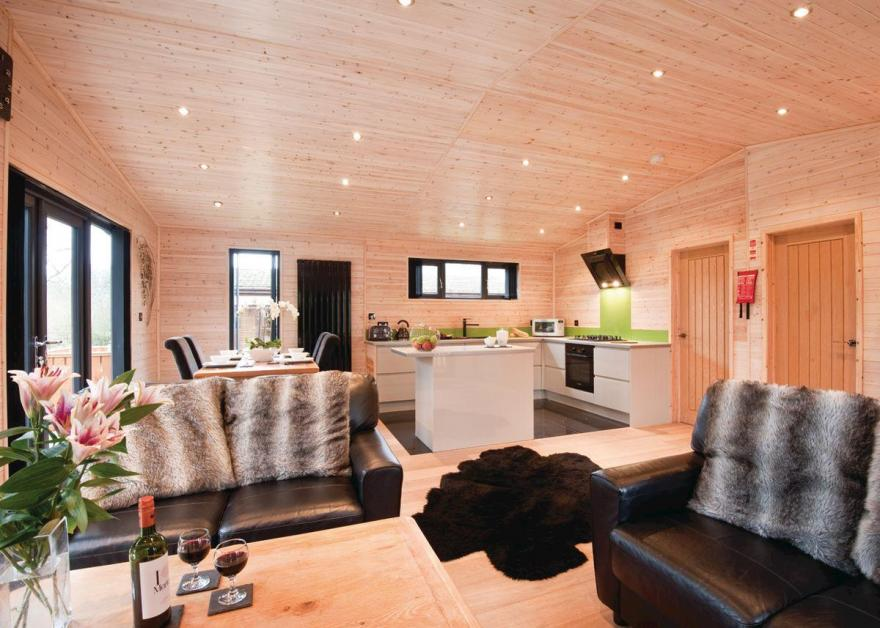 Goldcrest VIP Lodge