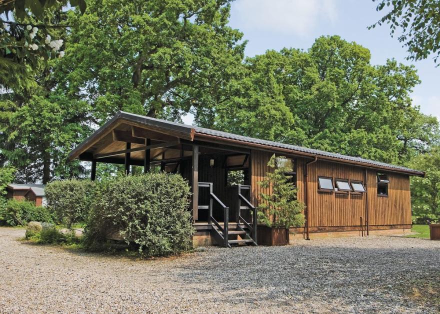Oak Lodge - E5342