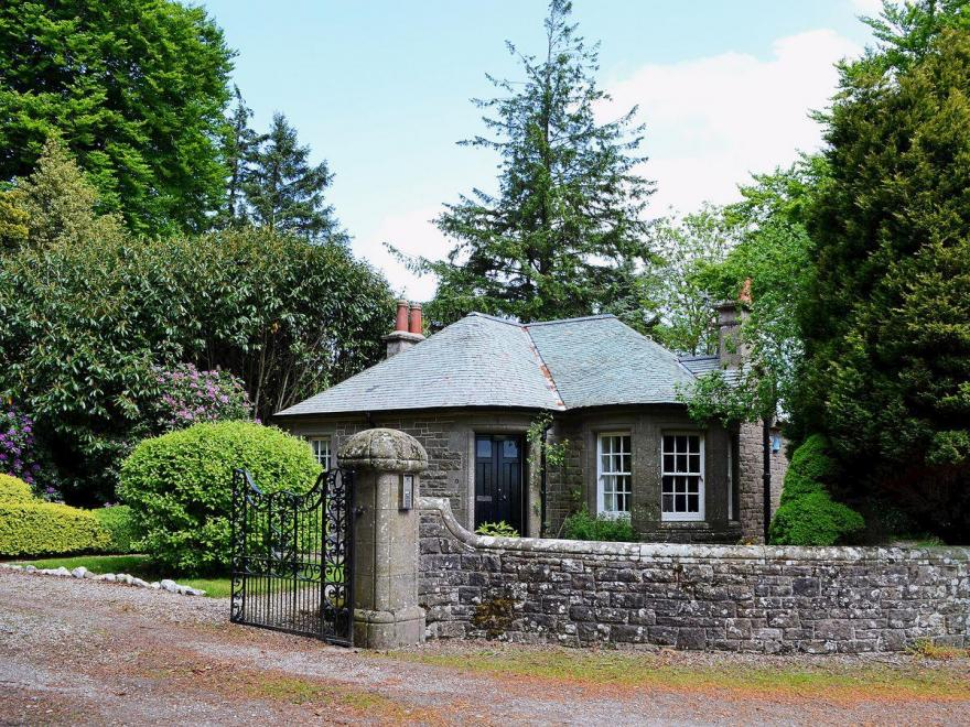 Dunlappie Lodge