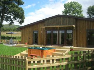 Lon Lodges