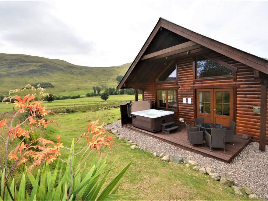 Log Cabin in Angus