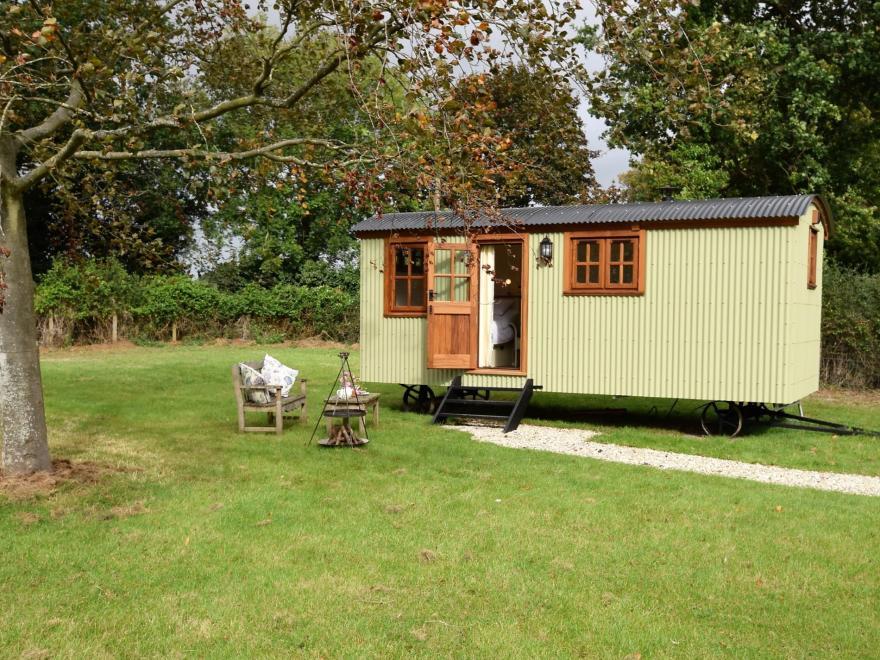 Log Cabin near Appledore