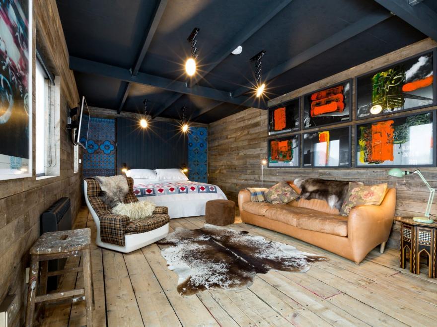 Log Cabin near Rye