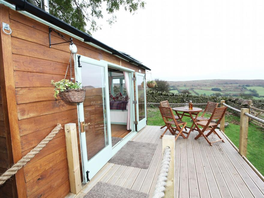 Log Cabin near Abergavenny (3mls N)