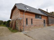 Barn Near Fordingbridge (6mls NE)