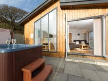 Log Cabin Near Castle Douglas (11mls S)