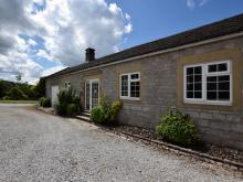 Cottage Near Alstonefield (1.2mls NW)