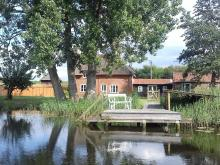 Cottage Near Wroxham (1.1mls E)