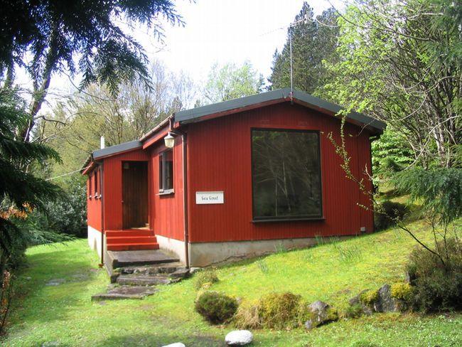 Log Cabin near Kyle (7mls E)