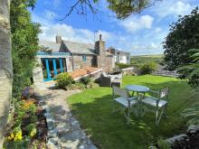 Cottage Near Tintagel (1.5mls SE)