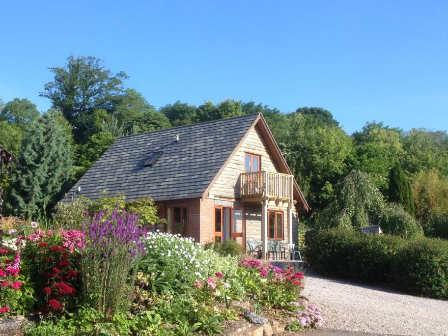 Log Cabin near Clifton-on-Teme