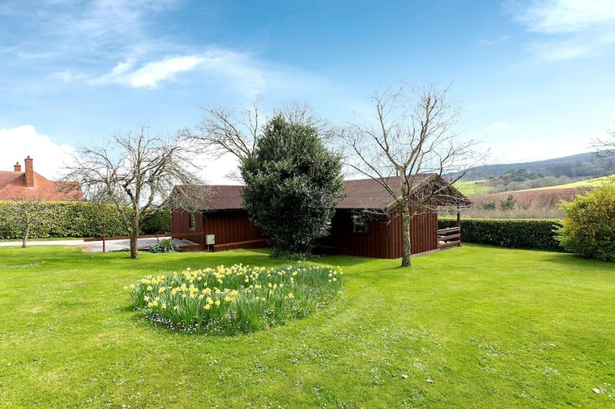 Holly Lodge- Woodcombe Lodges