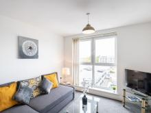 2 Bedroom Apartment Edinburgh Gate Harlow, Harlow