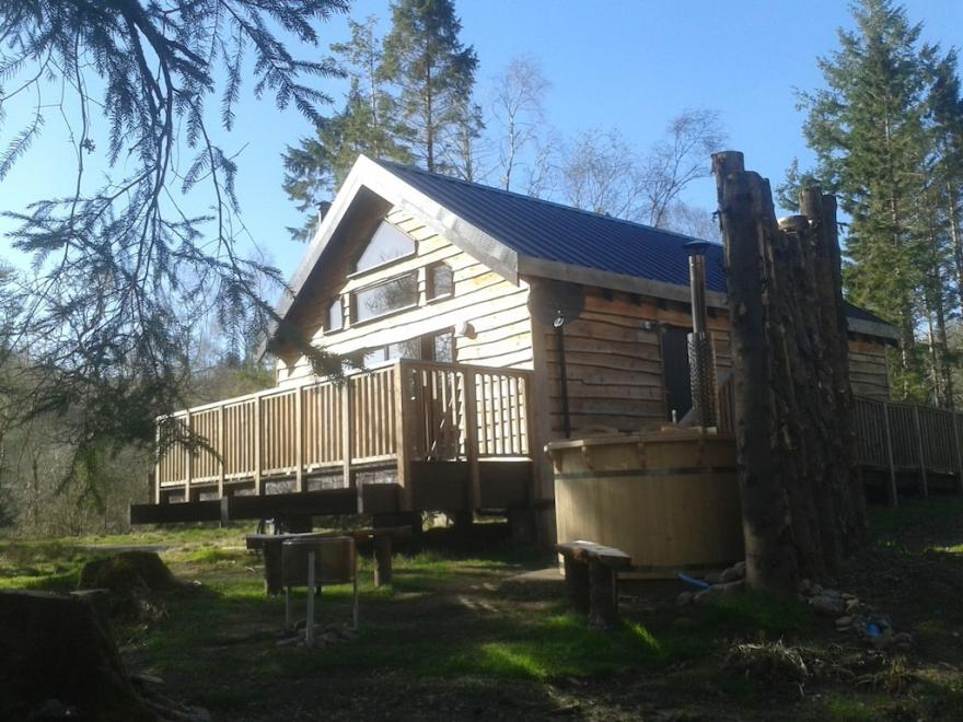 Burnside Cabin, With Hot Tub