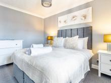 Worcester City Centre Apartment - Guest Homes, Worcester