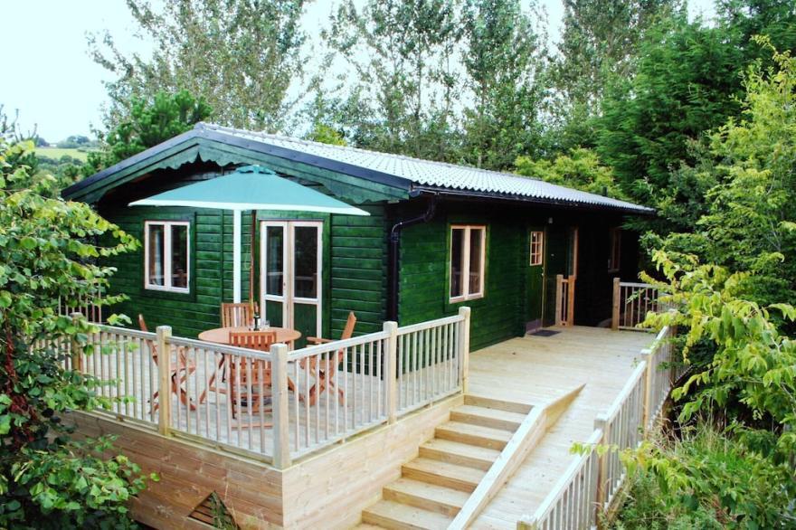 Bwthyn Gwyrdd Holiday Cabin