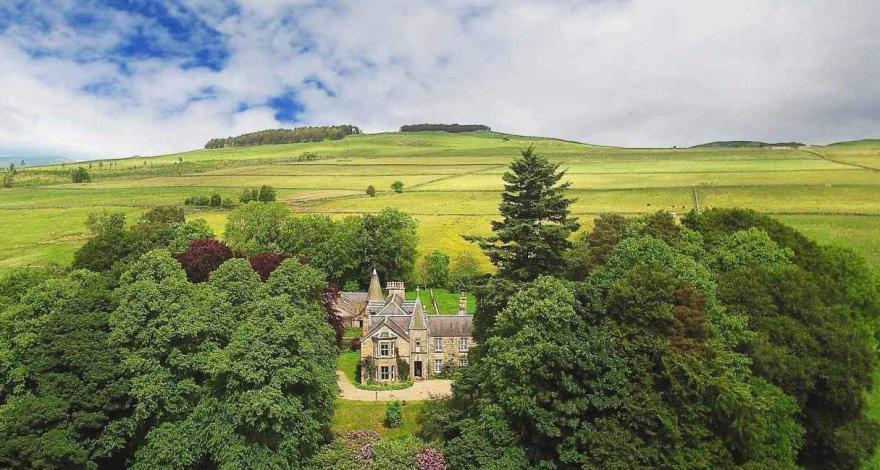 Ardle Manor