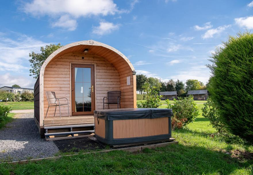 1-Bed Glamping Pod with Hot Tub