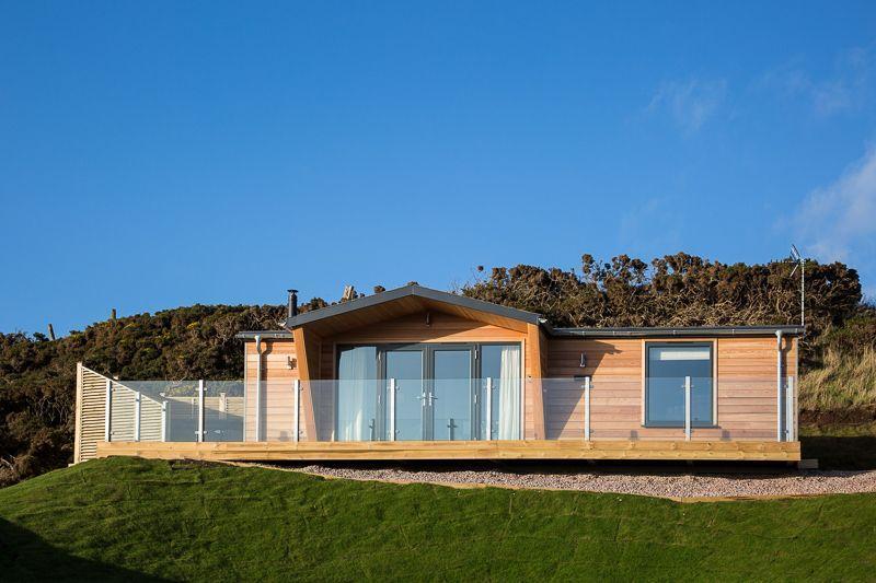 Retreat Lodge with Hot Tub